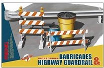 SPS-013  Barricades & Highway Guardrail Set 1/35